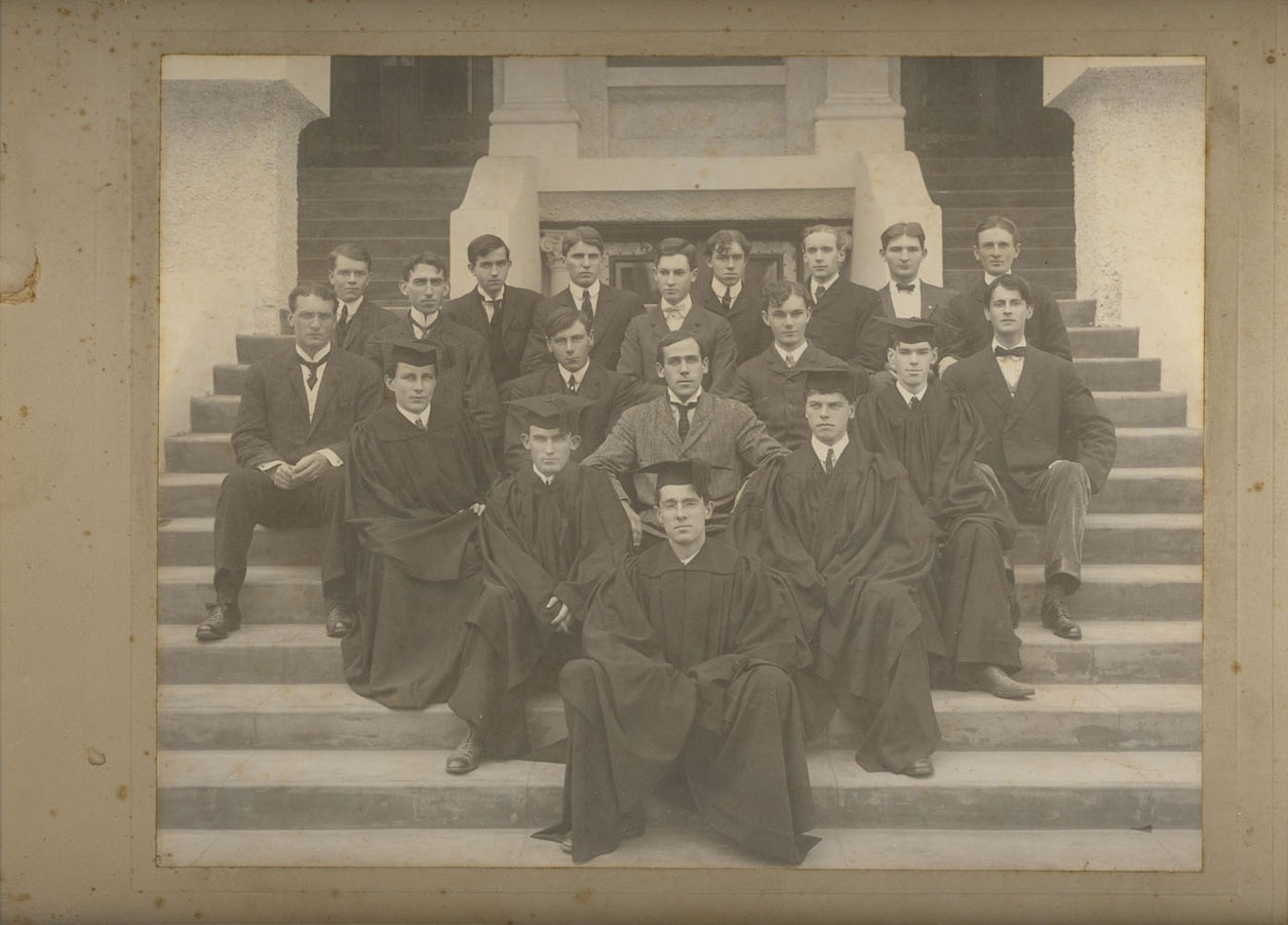 Jeffers (3rd row, far left) with the Occidental College literary club.
